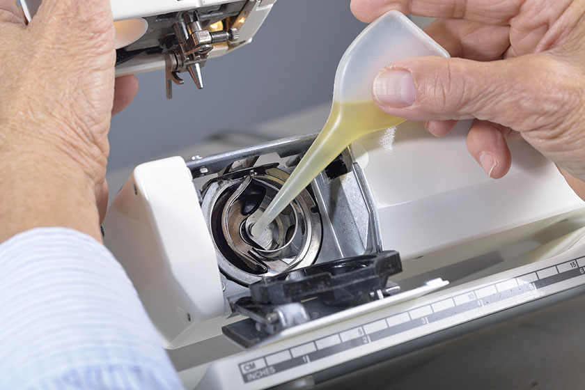 sewing machine oil ingredients: Know the right type of oil for your sewing machine