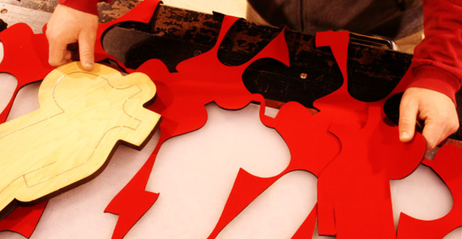 How to Use a Die-Cutting Machine: Fabric cutters are common die-cutting machines