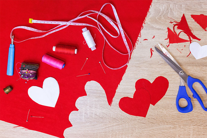 16 Fabric Cutting Tools for the Beginners & the Pros